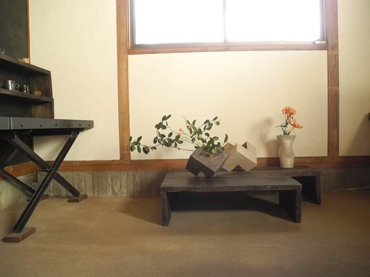 花器(フェイジョア、オニユリ)